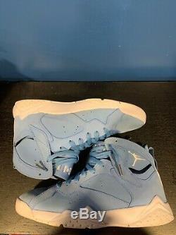 Air Jordan 7 Retro Pantone (Size 10, OG, UNC, Tar heels, royal, sport)