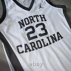 Michael Jordan Medium 40 UNC Tar Heels Jersey Gray North Carolina Swingman Bulls