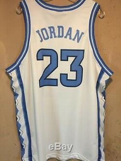 Micheal Jordan North Carolina Tar Heels 1999-2000 RARE UNC Jersey in size. XL