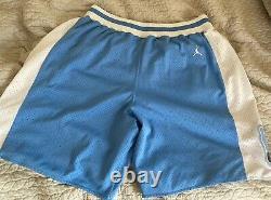 1982 North Carolina Tar Heels Unc Sewn Jordan Quatre-vingt-deux 82 Collection Shorts L