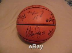 1999-1900 Heel Unc Tar Basketball Basketball Autograph Quatre Équipes Finale
