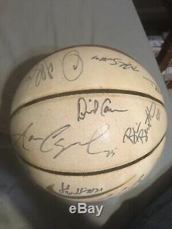 2001-02 Équipe Unc Tarheels Boule Signée