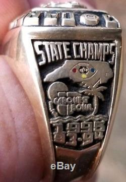 Batailles Des Championnats Du Championnat Tarheels De La Caroline Du Nord 1995: 10k D'or Jostens