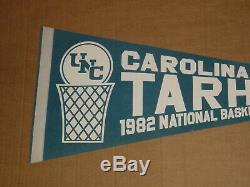 Caroline Du Nord Tarheels 1982 National Basketball Champs Pennant Vtg Unc Rare