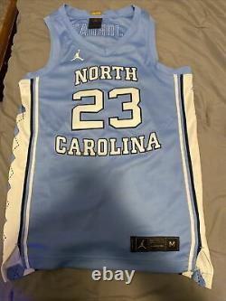 Édition Limitée Jordan North Carolina Tar Talons Unc Authentic Jersey Medium