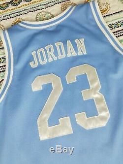 Michael Jordan Unc Jersey De Basket-ball Swingman Tar Heels (caroline Du Nord) Sz XL Vtg