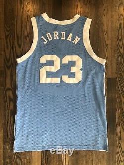 Nike Authentic Chandail À Talons De Goudron 44 North Carolina Unc Michael Jordan # 23 Unc Unc