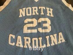 Nike Authentique Michael Jordan # 23 Unc Caroline Du Nord Tar Heels Jersey Taille XL 48