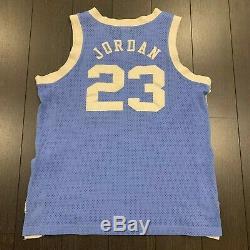 Nike Michael Jordan North Carolina Tar Heels Unc Sz Authentique Jersey. 44 Vtg