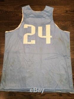 Portés Unc Caroline Du Nord Tar Heels Occasion Basketball Jersey # 24 Réversible XXL