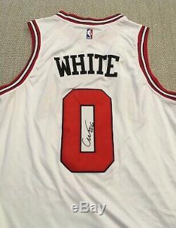 Preuve Exacte! Coby White Chaussures À Talons Goudronnées # 0 Unc Autographiées Et Signées Chicago Bulls