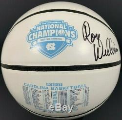 Roy Williams A Signé Les Champions 2017 De La Caroline Du Nord Sur Le Tar Heels Basketball