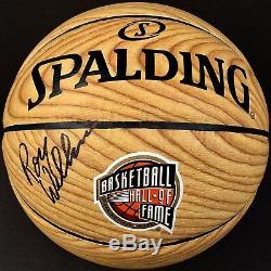 Roy Williams Signe Un Hall De La Renommée Wood Unc Tar Heels Basketball Avec Coa