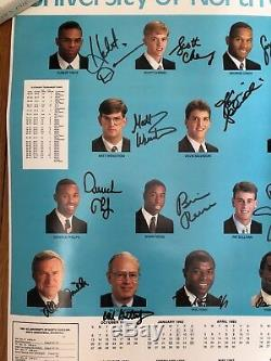Unc Bball Signé Équipe 1992 D'affiche, État Neuf! Comprend Dean Smith Auto