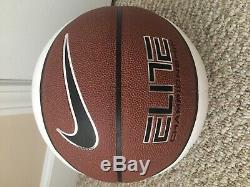Unc Tar North Carolina Unc Tar Williams Williams Et Son Équipe Ont Signé Nike Basketball