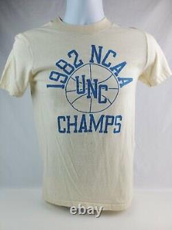 Vintage 1982 Unc Champs T-shirt Tar Heels Point Unique Mj Taille Petit Blanc Cassé